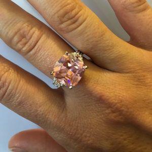 Jewelry - Fashion Jewelry Rings size 7/8